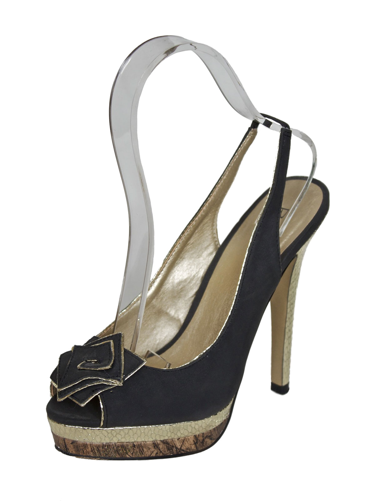 black and gold slingback high heels tout ensemble